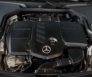 Reconditioned Mercedes Engine